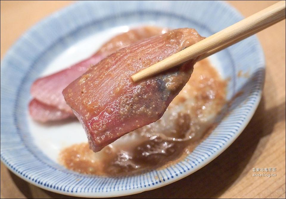 日本橋海鮮丼 つじ半(Tsujihan),東京在地老饕推薦隱藏版黃金比例海鮮丼排隊名店 ( 僅12席,建議避開用餐時間)