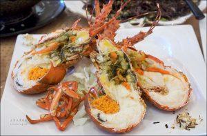 今日熱門文章:花蓮噶瑪蘭風味餐廳,活跳跳龍蝦超好味,連吃兩餐是基本!