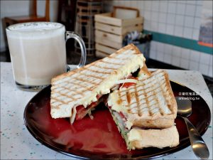 今日熱門文章:好初早餐,板橋超人氣平價早午餐店,江子翠站美食(姊姊食記)