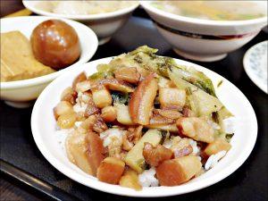 今日熱門文章:蓮霧滷肉飯,隱身巷弄的美食老店,三重美食(姊姊食記)