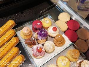 今日熱門文章:巴黎No2可麗露LEMOINE、巴黎最老甜點店Le Moulin de la Vierge、超人氣甜點店Carl Marletti