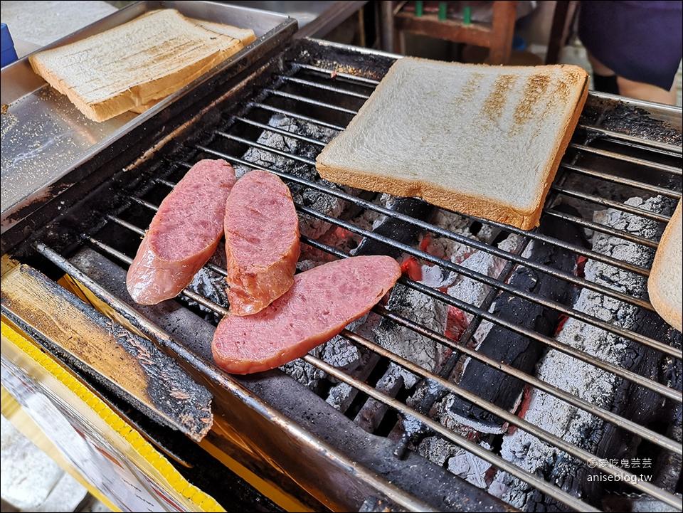 阿姊ㄟ店碳烤三明治,忠孝新生站超浮誇巨大碳烤三明治