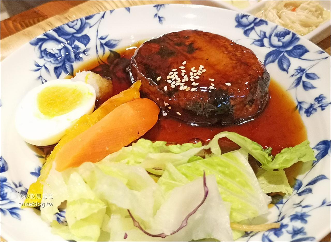里海 cafe',挑嘴海鮮控莊媽媽都說讚的美味烤魚