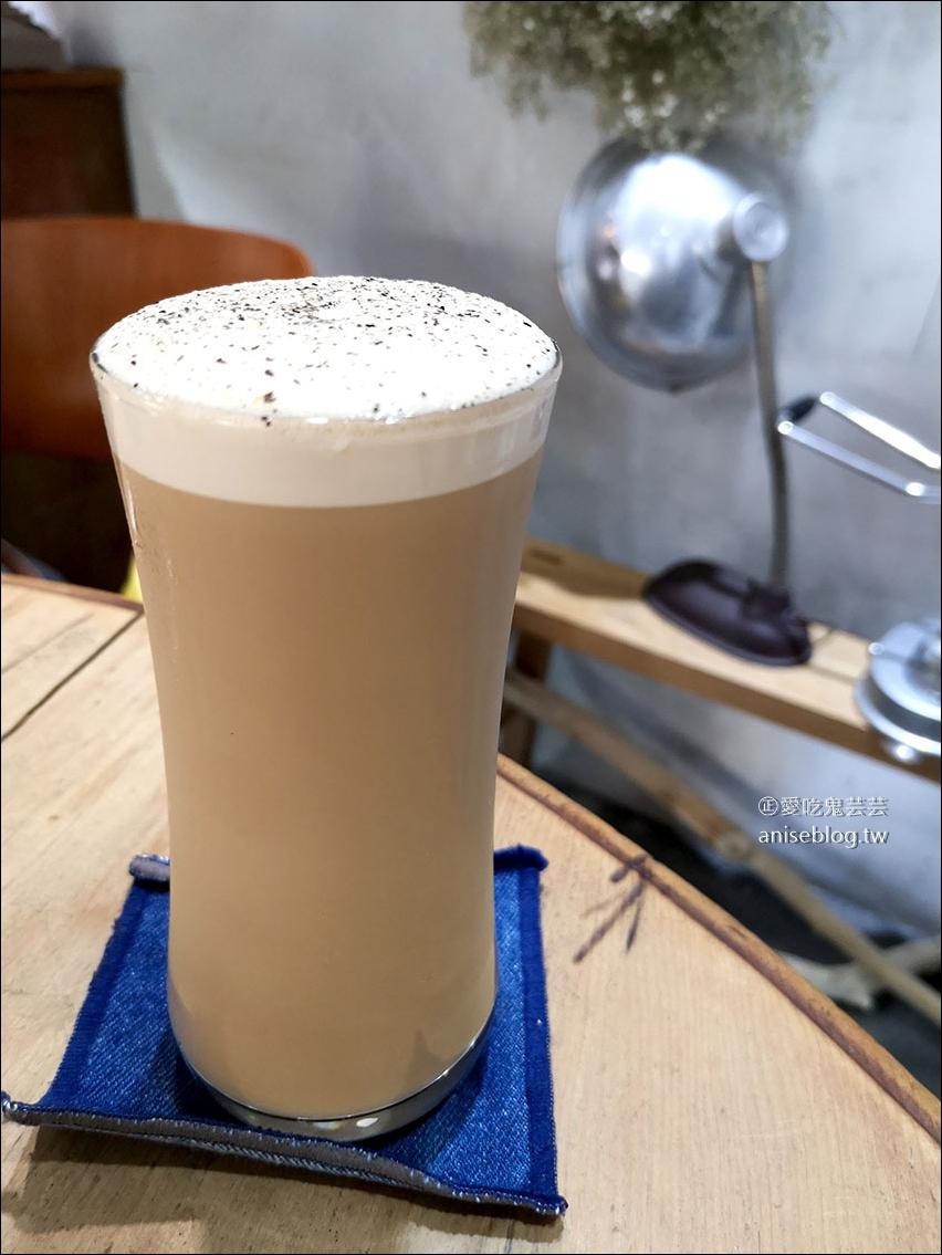 點點甜甜 | 板橋超人氣下午茶甜點咖啡店,最愛鹹蛋黃肉鬆磅蛋糕!