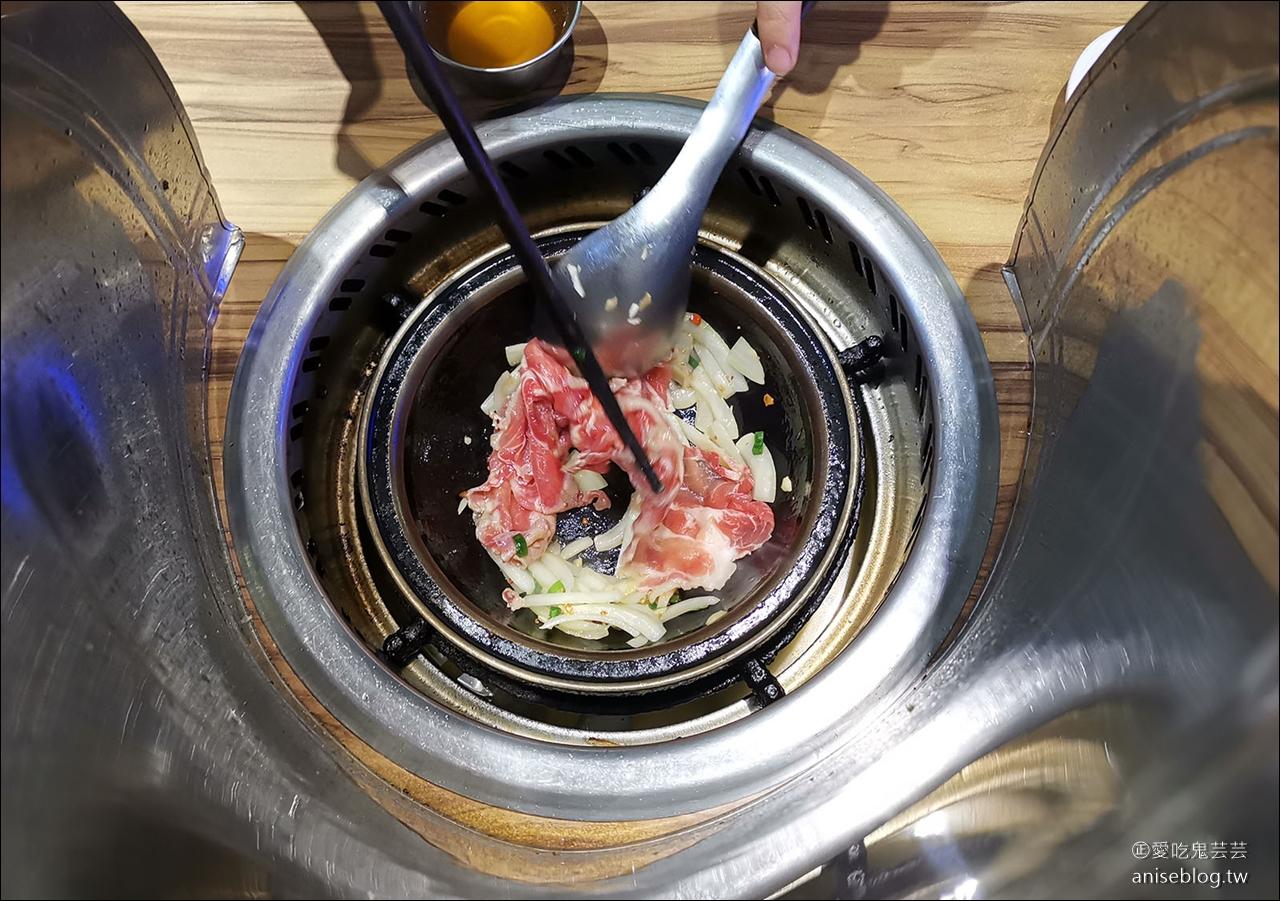 旺角石頭火鍋,西門町超人氣石頭火鍋,沙茶醬是一絕!(用餐時段請預約)