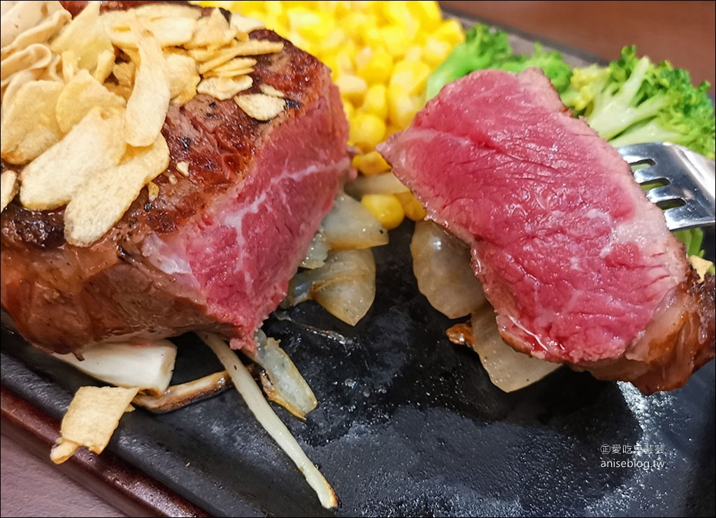 Ikinari Steak Taiwan 1公克1.6元起!南港超人氣現切美國CAB安格斯牛排,賣得比日本還便宜,午餐超划算! @愛吃鬼芸芸
