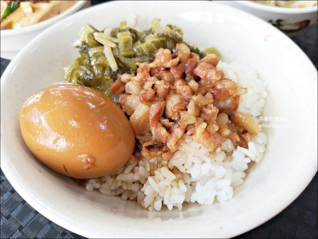唯豐魯肉飯,超值魯肉便當在地推薦小吃,三重平價美食(姊姊食記) @愛吃鬼芸芸