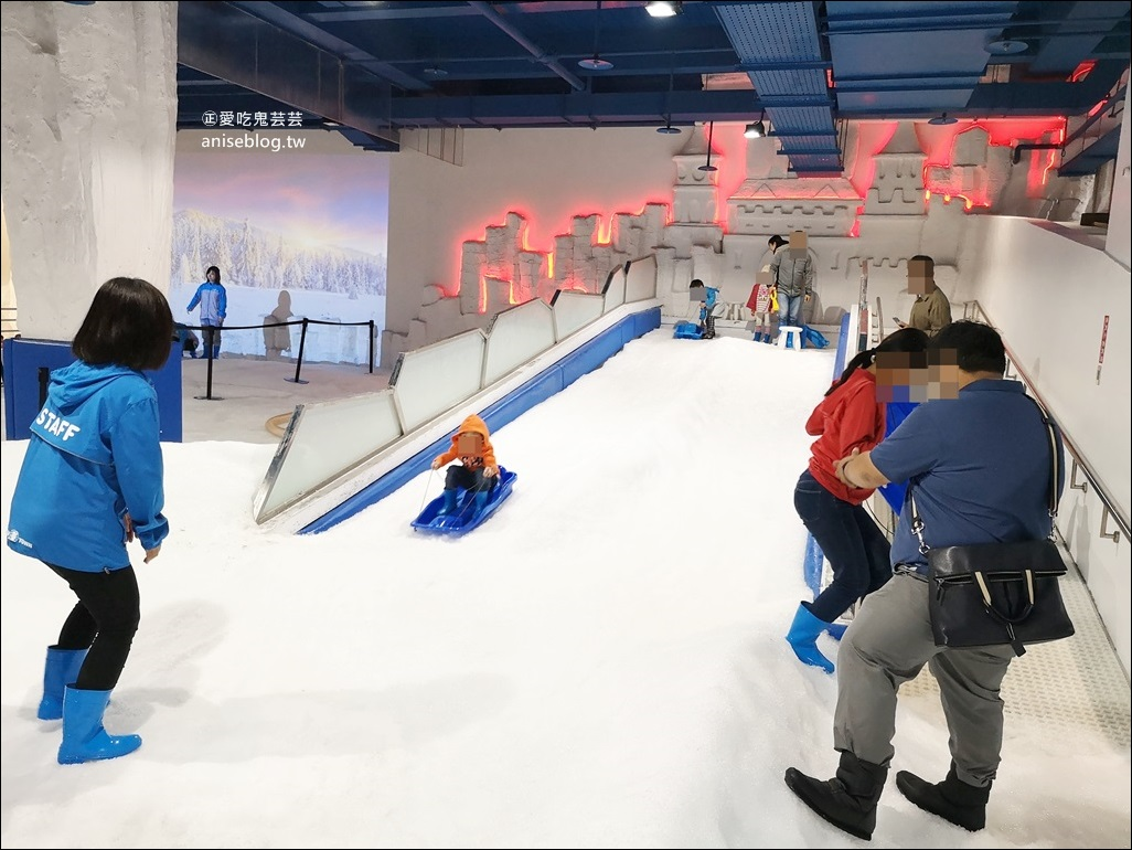 台中三井雪樂地SNOWTOWN滑雪打雪仗、台中之星摩天輪,台中一日遊行程(姊姊遊記)