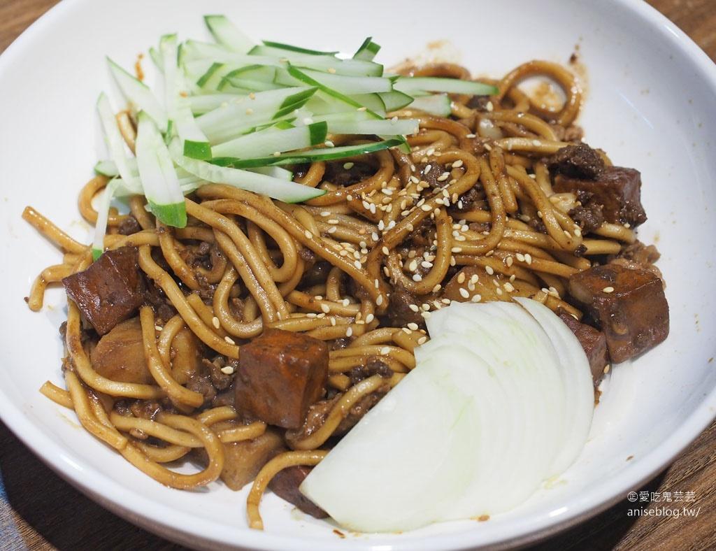 朝鮮味韓國料理,數十種小菜免費吃到飽,最愛炒泡麵、拌飯、海陸泡菜鍋!