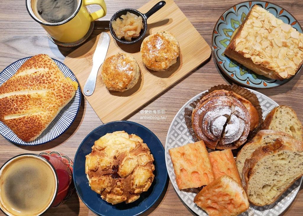 今日熱門文章:Rolling Eyes 麵包與咖啡 (翻白眼),網路評價超高的可愛麵包店