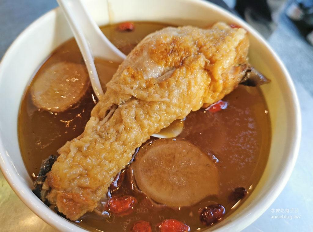 懷舊古早味麻油雞飯,文化路夜市超人氣,想吃請早!