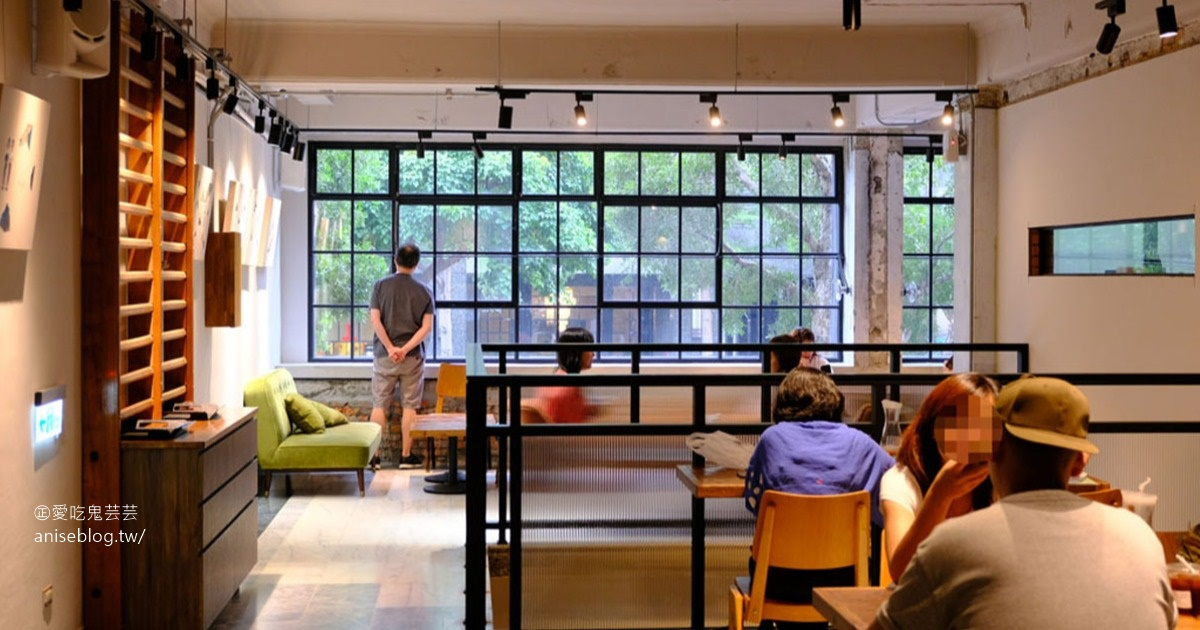 興波咖啡 Simple Kaffa,知名旅遊網站評為2019年世界最棒的 50 家咖啡館 @愛吃鬼芸芸