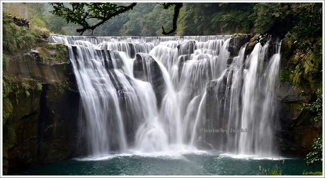 網站近期文章:十分瀑布公園、眼鏡洞瀑布,新北市平溪區旅遊景點(姊姊遊記)