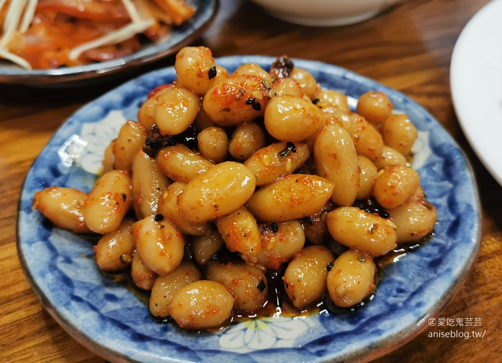 陳旺記鴨片飯和當歸羊肉是招牌,但我覺得小菜更厲害!