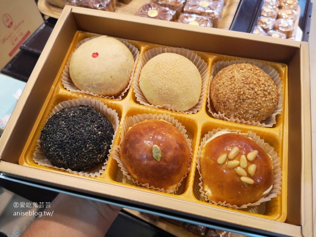 今日熱門文章:王師父金月娘,每年中秋必買的月餅!