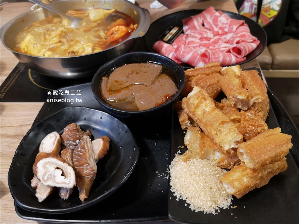 樂崎火鍋-萬華店,加蚋仔商圈美食(姊姊食記)