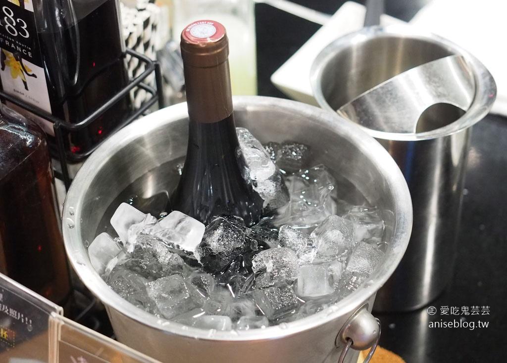 奉鐵板,私廚無菜單料理,好食物x好酒,這裡揪竟是餐廳還是酒吧?氣氛也太嗨了吧!