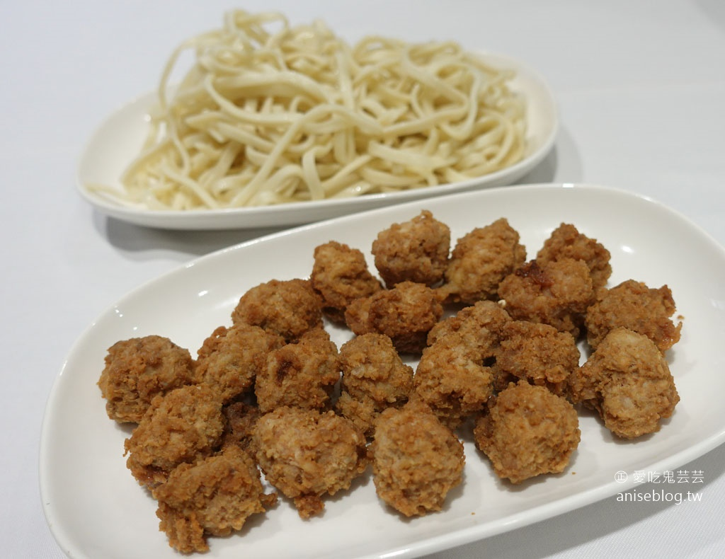 圍爐酸菜白肉火鍋,東區老店,商業午餐超划算!(文末菜單)