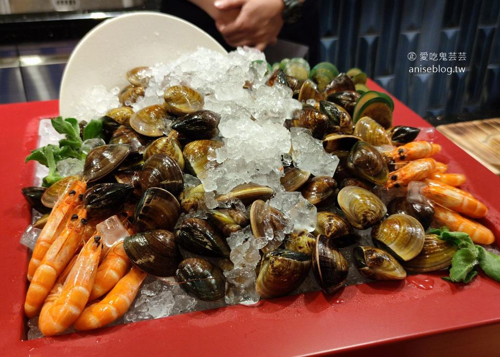 旭集高雄義享店,超浮誇帝王蟹、龍蝦、和牛、鮑魚、長鰭鮪、螃蟹、大蝦、牛小排….等,大船入港啦!九區和食料理吃到飽