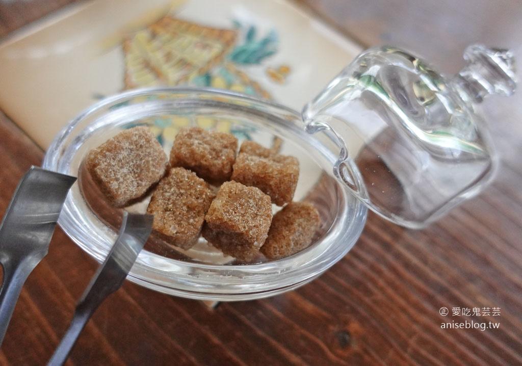 TaSweet 菓子屋,整排落羽松景觀的歐式鄉村甜點,最愛蘋果派!😍
