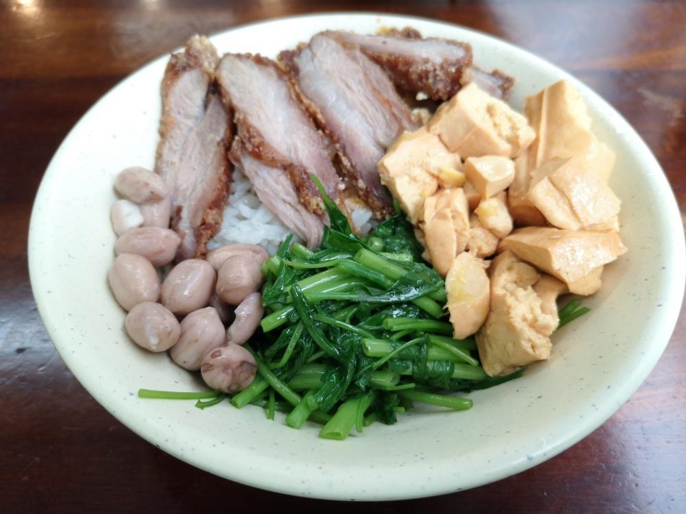 艋舺一肥仔麵店,美味的紅燒肉、排骨湯,萬華美食(姊姊食記)