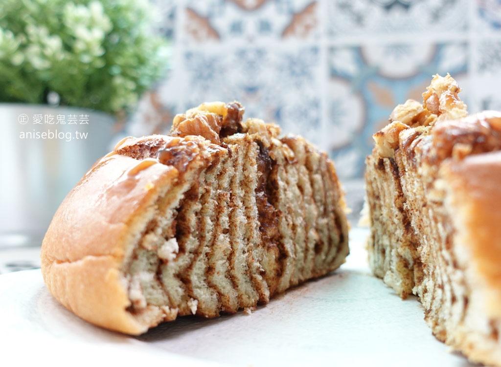 慶祝烘焙,天母超夯麵包店,激推脆皮土司、蜂蜜土司、可麗露😋